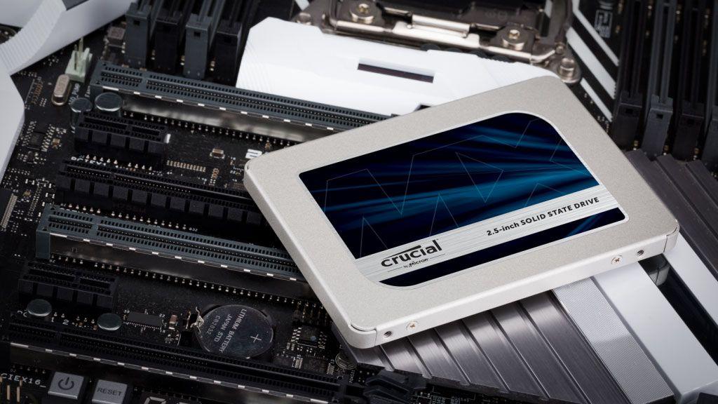 El MX500 1TB de Crucial es un gran SSD para almacenamiento secundario y cuesta solo $ 82